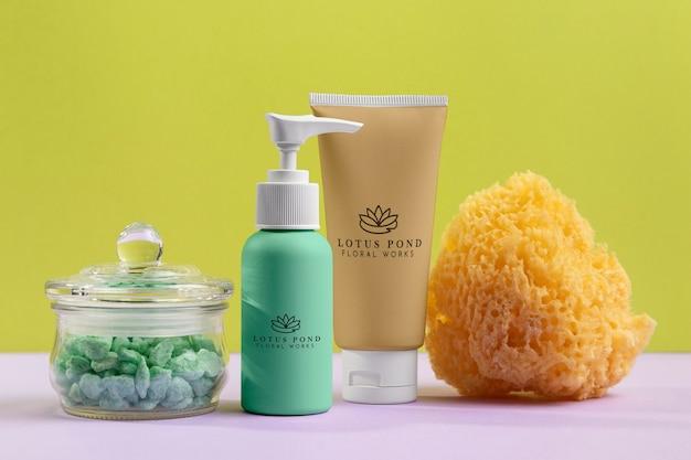 Natuurlijke cosmetica concept met spons