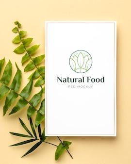 Natuurvoedingsmodel met bladeren