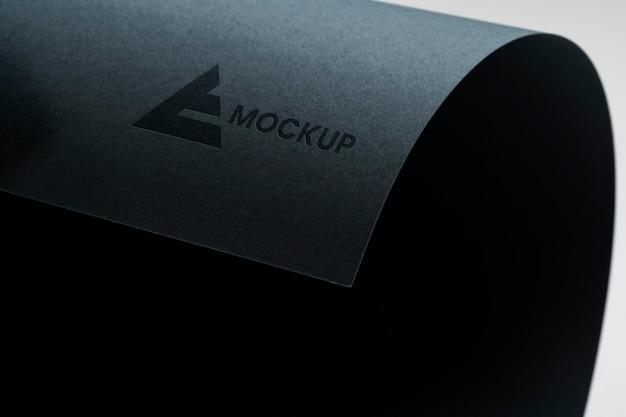 Negocio de diseño de logotipos enrollados de maquetas