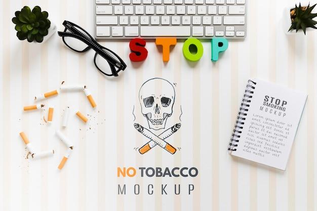 Niet roken mock-up met toetsenbord