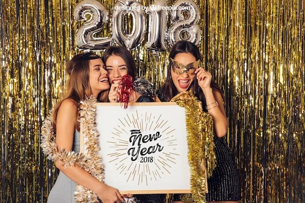 Nieuwjaarsmodel met drie meisjes