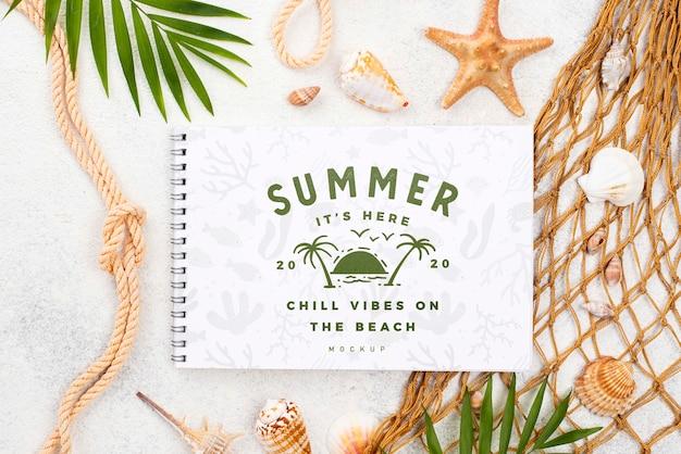 Nootebok con mensaje de verano náutico