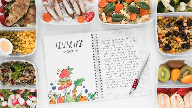 Notebook mock-up met gezonde voeding