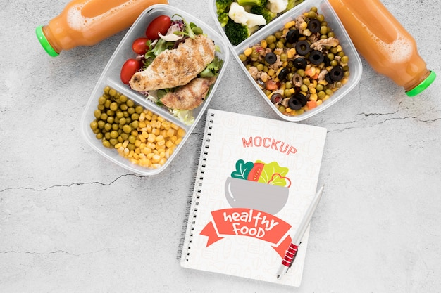 Notebook mock-up met lekker eten
