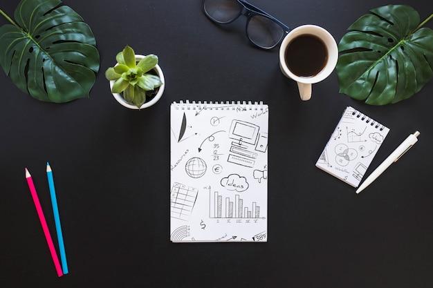 Notebook mockup met internet van dingen concept