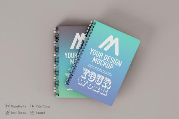 Notebooks mockup geïsoleerd op zachte kleur achtergrond