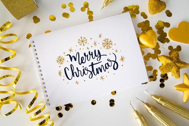 Notitieboekje met bericht voor kerstmis