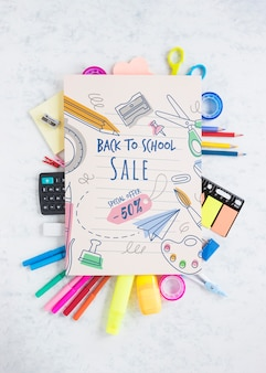 Offerta speciale di vendita a scuola con uno sconto del 50%