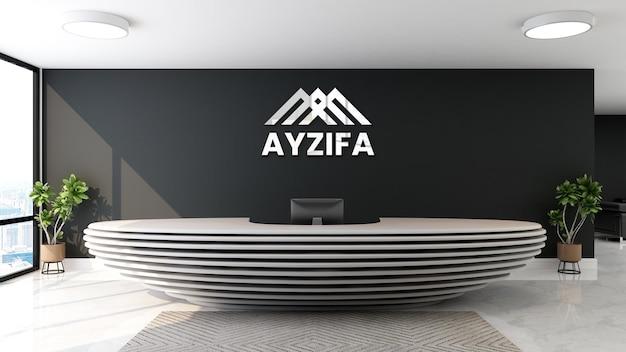 Oficina de maqueta de logotipo plateado con pared negra en la sala de recepcionista