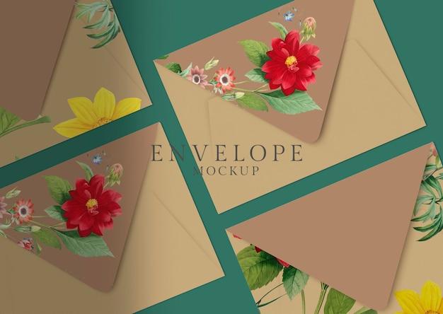 Ontwerp met bloemenveloppen
