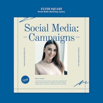 Ontwerpsjabloon voor flyer voor social media marketingbureau