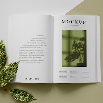 Open tijdschrift en plantenassortiment