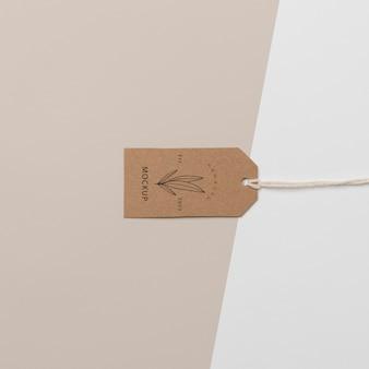 Opstelling van mock-up kartonnen tag