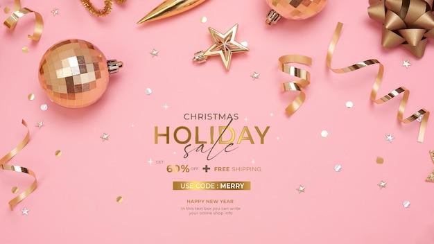 Página web con cajas de regalo y adornos en la mesa para navidad