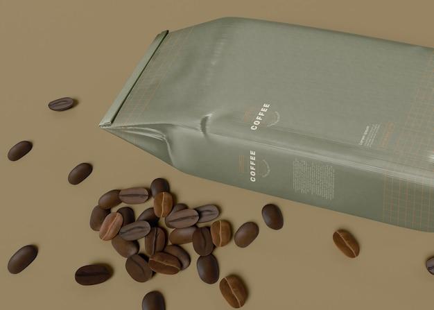 Papieren zak met koffiebonen mockup