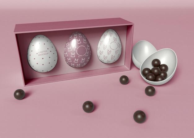 Paquete de huevos de pascua y maqueta de chocolates