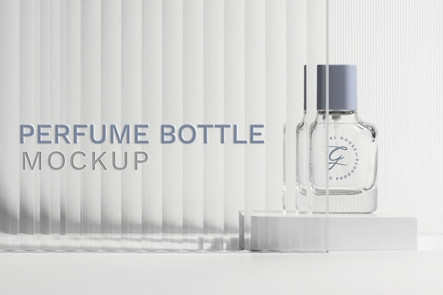 Parfumflesmodel psd met productachtergrond met patroon van glastextuur