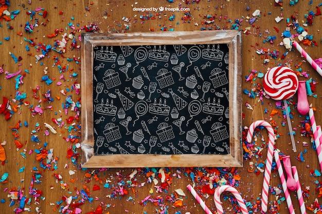 Partij samenstelling met leisteen op confetti