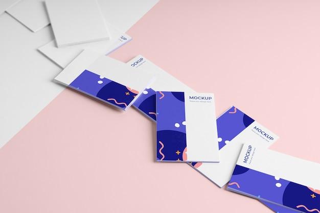 Patrón de tarjetas de visita de alto ángulo