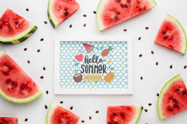 Plakjes watermeloen met zaden zomer mock-up