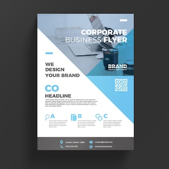 Plantilla azul corporativa de flyer de negocios