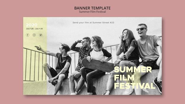 Plantilla de banner de festival de cine de verano de amigos