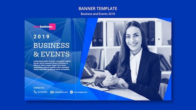 Plantilla de banner moderno con mujer de negocios