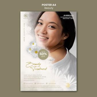 Plantilla de cartel de belleza y spa con mujer y flores de manzanilla.