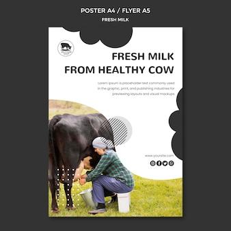 Plantilla de cartel de leche fresca con foto