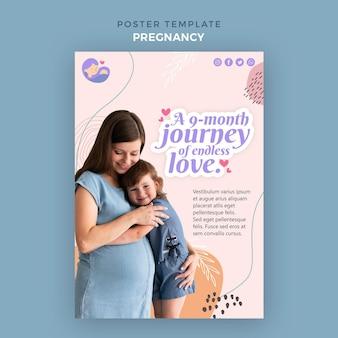Plantilla de cartel con mujer embarazada