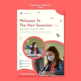 Plantilla de cartel de regreso a la escuela con foto