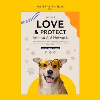 Plantilla de cartel vertical para adopción de mascotas con perro