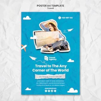 Plantilla de cartel vertical de viaje con foto