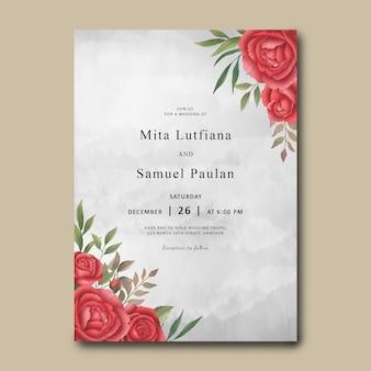 Plantilla de invitación de boda con un ramo de rosas rojas acuarelas