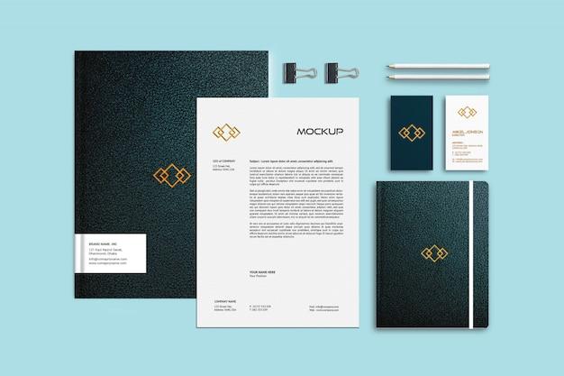 Plantilla de maqueta de papelería de marca