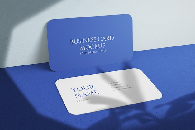 Plantilla de maqueta psd de tarjeta de visita de empresa de esquina redondeada realista editable