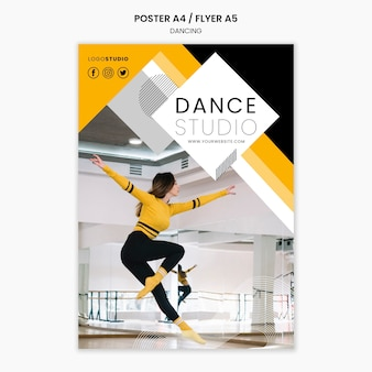 Plantilla de póster con concepto de estudio de danza