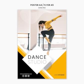 Plantilla de póster con estudio de baile