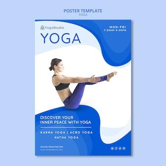 Plantilla de póster para yoga fitness