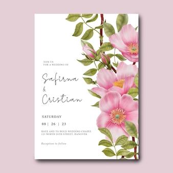 Plantilla de tarjeta de invitación de boda con rosas acuarelas