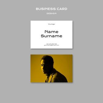 Plantilla de tarjeta de visita de tendencias de diseño