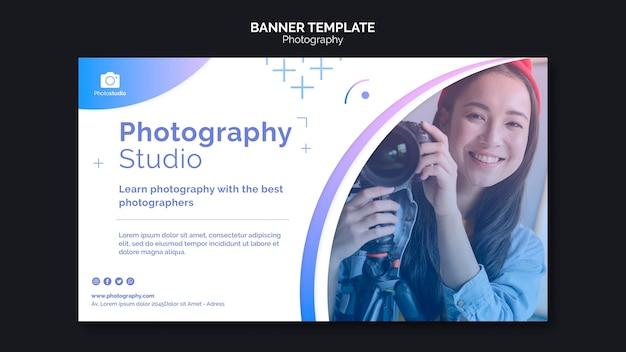 Plantilla web de banner de clases de fotografía de mujer sonriente