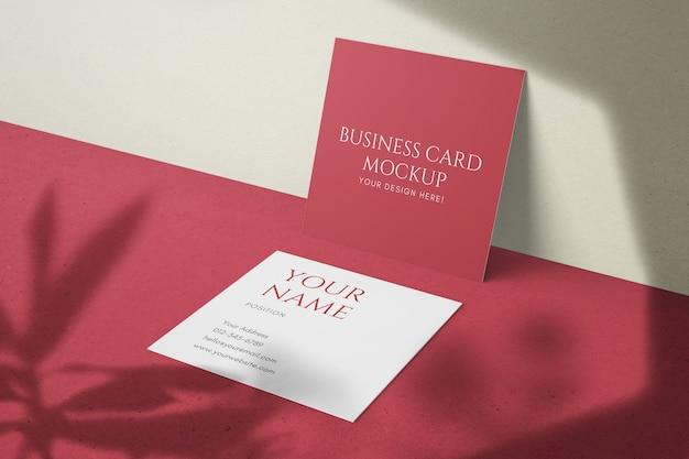Plantillas psd de maqueta de tarjeta de visita de tamaño cuadrado moderno mínimo realista