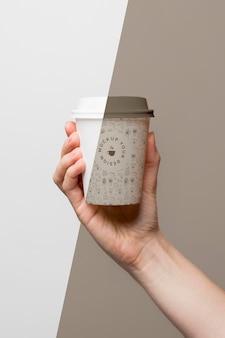 Plastic beker met koffiemodel
