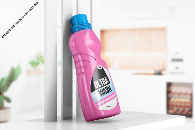 Plastic fles wasmiddel op plankmodel