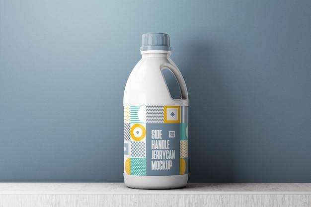 Plastic productfles met etiketmodel