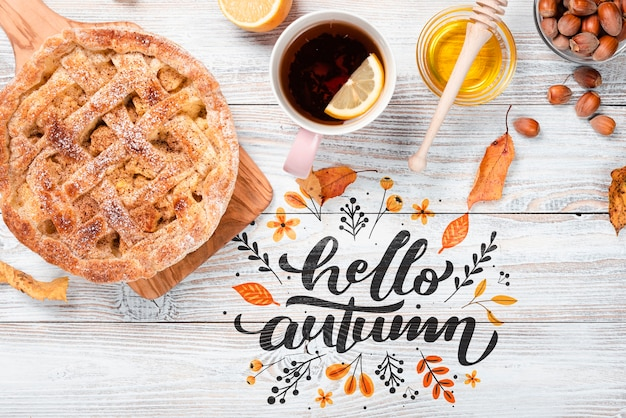 Plat lag herfst ontbijt met taart