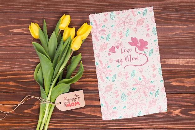 Plat lag moeders dag samenstelling met kaart mockup