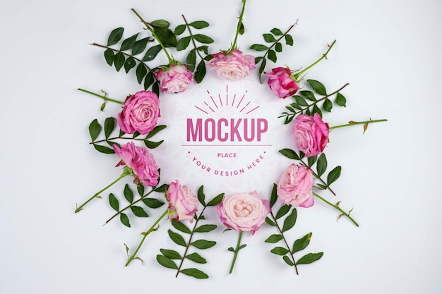 Plat lag roze rozen frame mockup