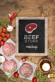 Plat lag slagerij met hamburgersvlees